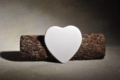 Flat-Set Heart