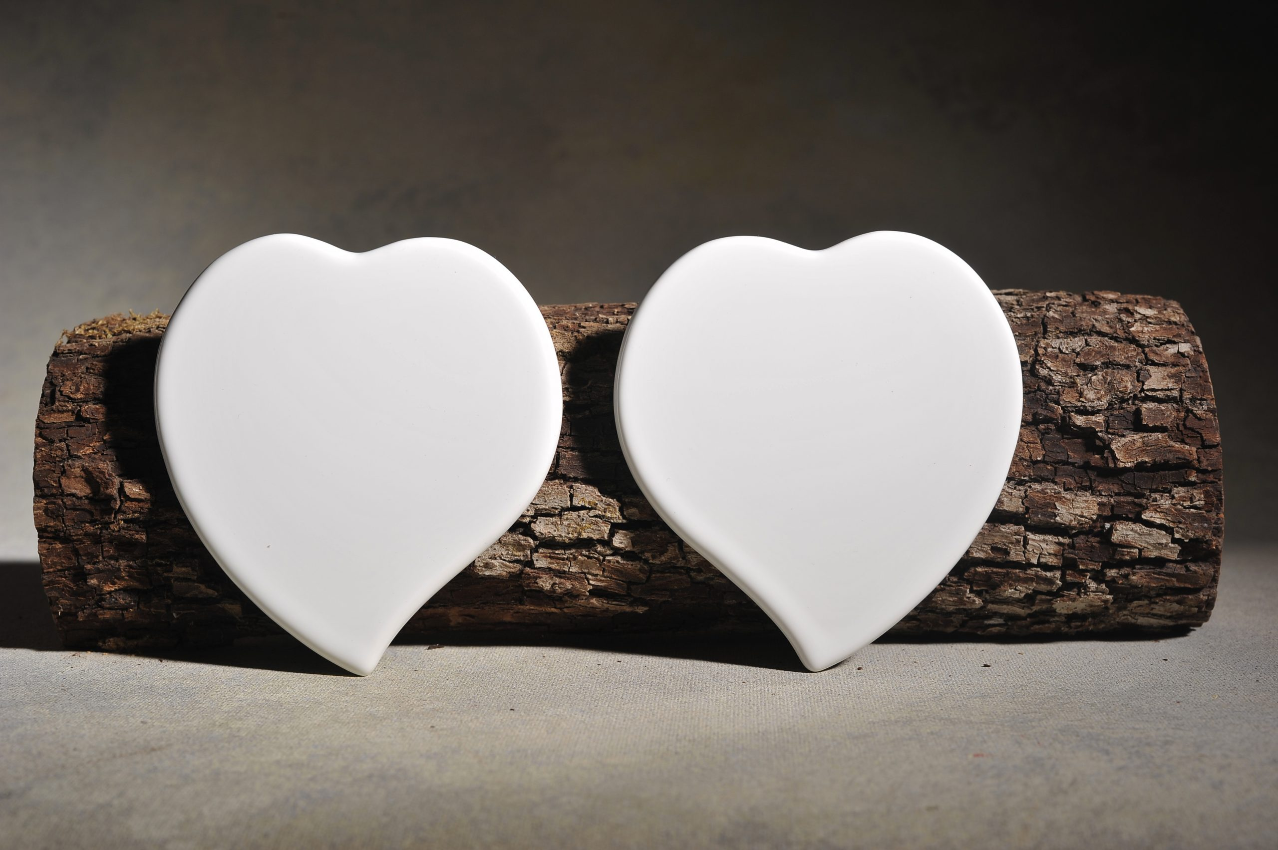 Flat Pointed-Set Heart