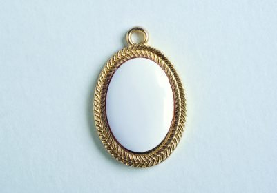 Precious Oval Gold Embroidered