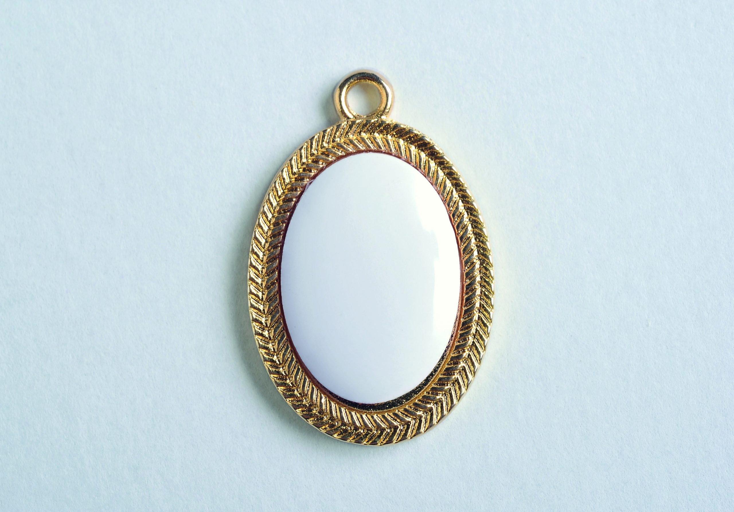 Precious Ovale Oro Ricamato